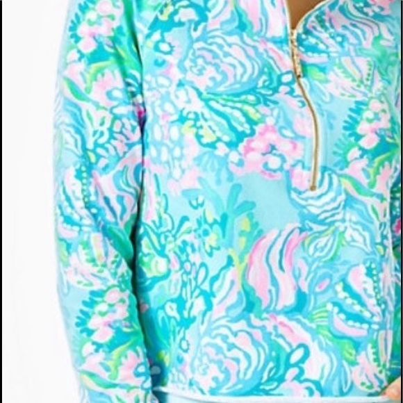 Lilly Pulitzer Jackets & Blazers - LILLY PULITZER RONAN CROPPED POPOVER UPF 50 NEW